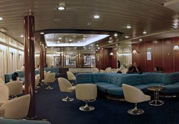 corsica_sardinia_ferries_mega_express_central_bar