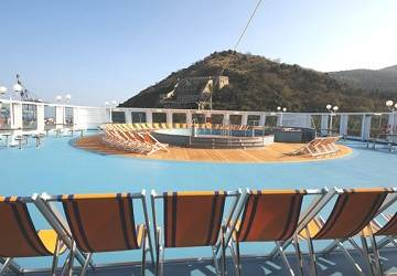 corsica_sardinia_ferries_mega_express_five_pool