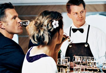 dfds_seaways_crown_seaways_red_and_white_wine_bar